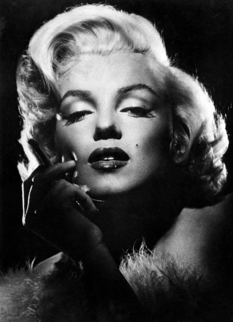 Jak poślubić milionera, How toMarry aMillionaire, komedia romantyczna, USA 1953, reż. Jean Negulesco, Alex D'Arcy, Betty Grable, Lauren Bacall, Marilyn Monroe, scena z: Marilyn Monroe, SK:, fot.AKPA